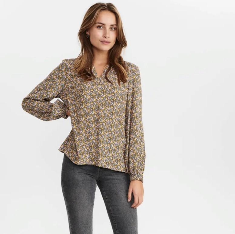 Numph NuChabelly blouse Bluse
