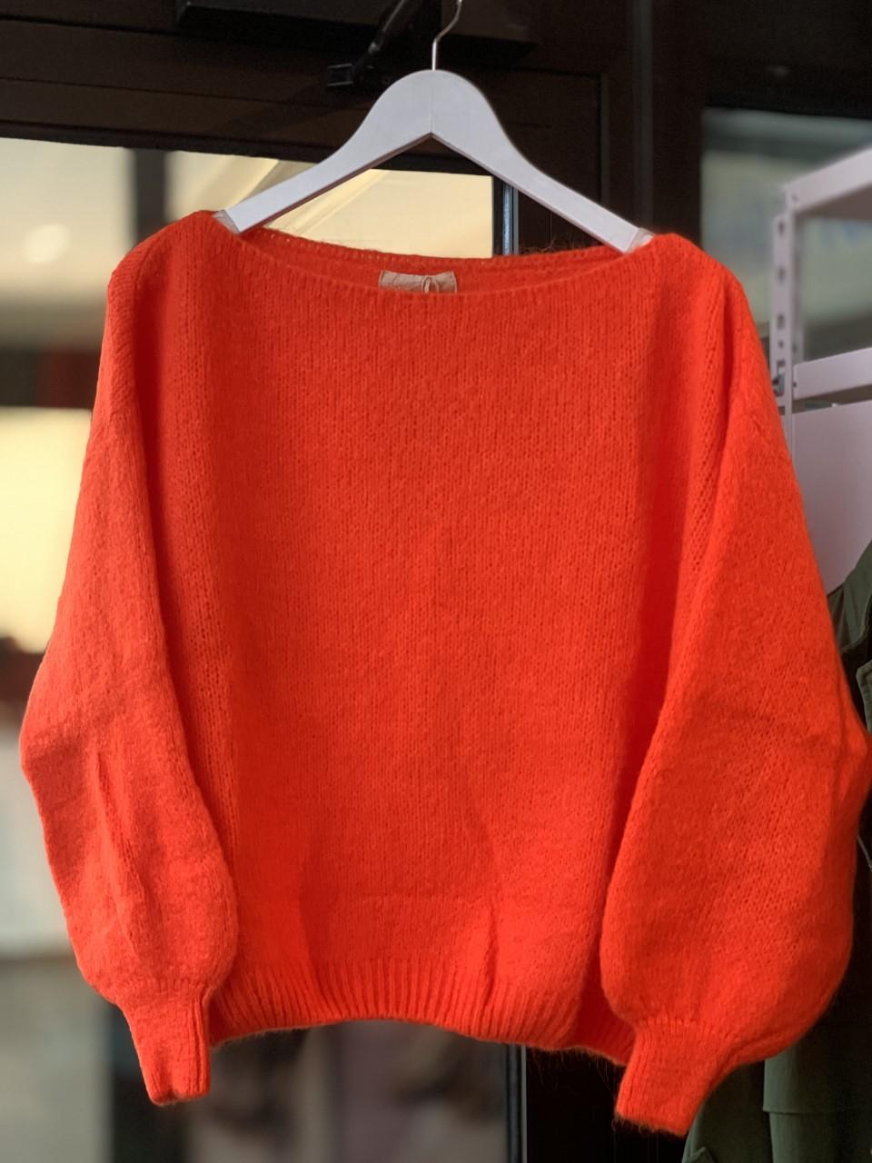 Love Forever Line Sweater Genser