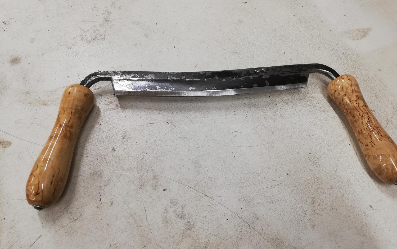 Båndkniv med håndtak