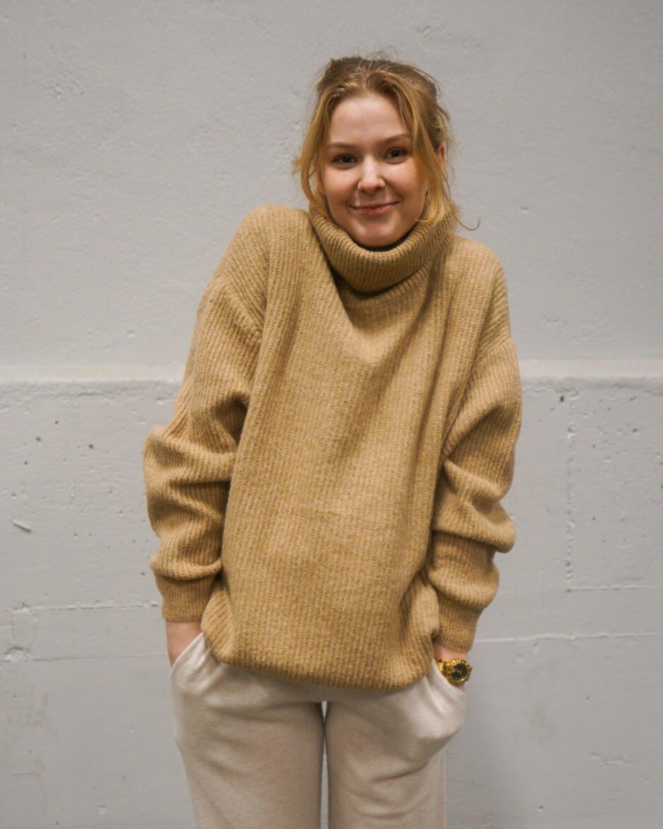 Darling Roll Knit Camel, Tiffany